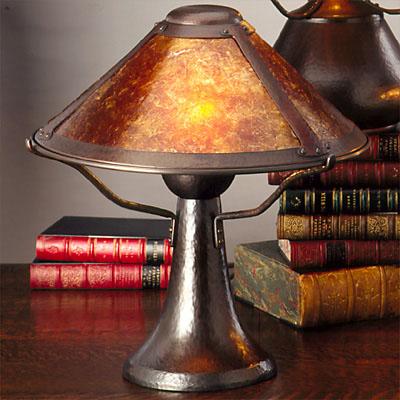 лампа със слюда