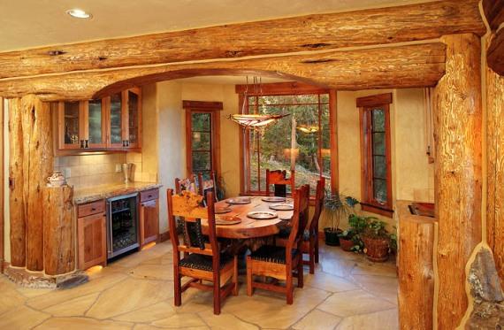 кухнята в лог къщата