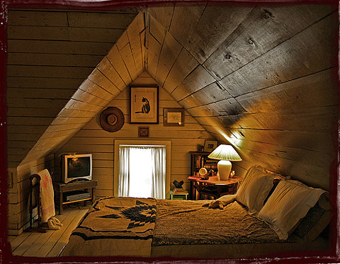 Малка къща - подпокривен етаж