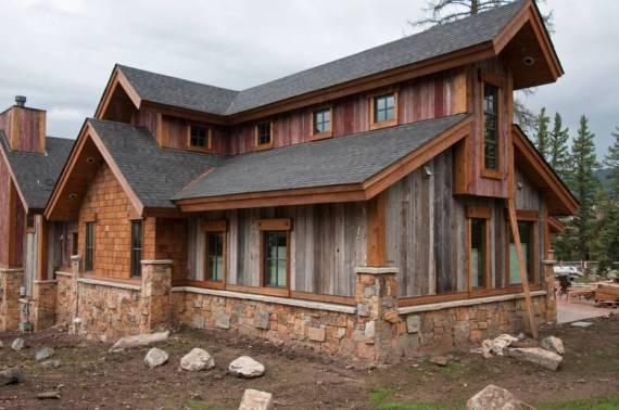 Планинска къща от състарена дървесина