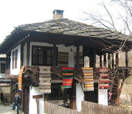 Балканска къща